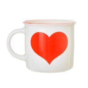 Cană inimă roșie